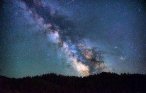 天文学家发现银河系百亿年前吞并矮星系插图