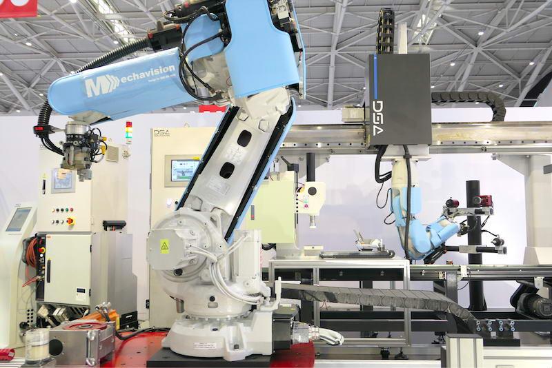 ABB 与自动化系统整合商达详所展出的产线应用,当中机器手臂加装安全皮肤