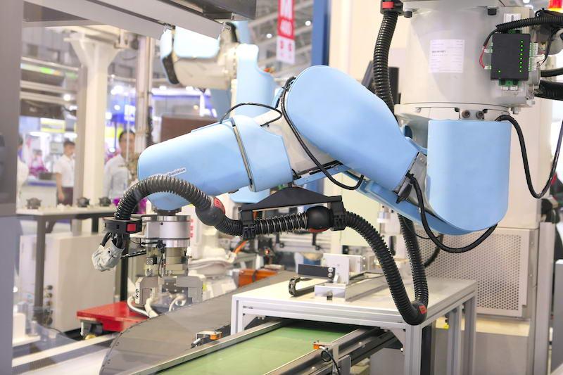 """摆脱围篱束缚!工业机器人开外挂加装""""安全皮肤""""实现人机共同协作插图(3)"""