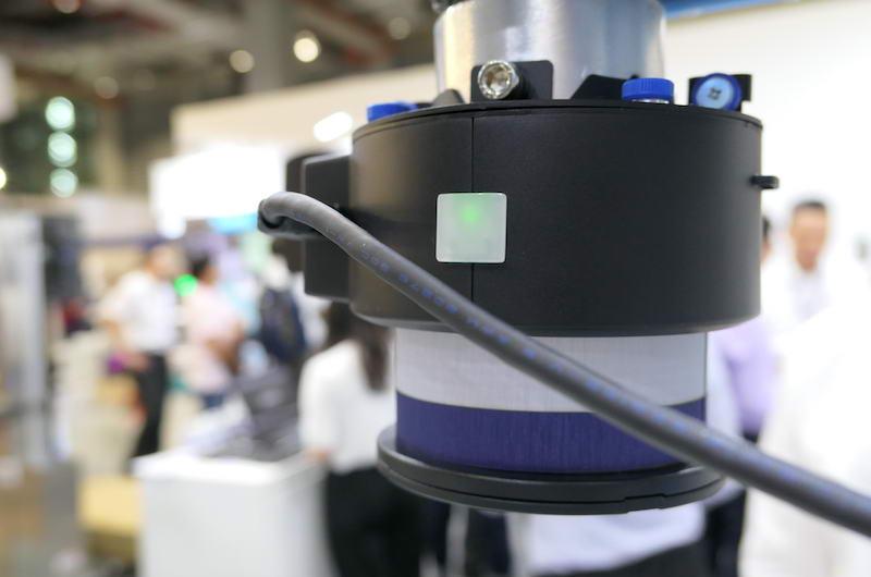 """摆脱围篱束缚!工业机器人开外挂加装""""安全皮肤""""实现人机共同协作插图(2)"""
