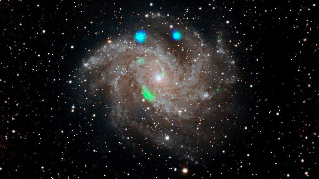 在焰火星系发现奇异的X射线光源插图