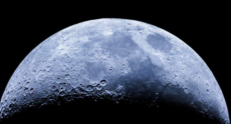 科学家在月球土壤中发现水分子存在:每吨月壤中含有半升水