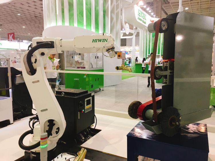 智造落地降低门槛的钥匙:小规模机器人单元