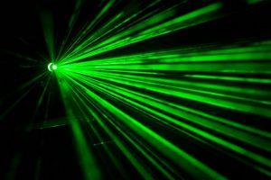 科学家开发激光牵引光,为了控制闪电的方向以便于击中目标物缩略图