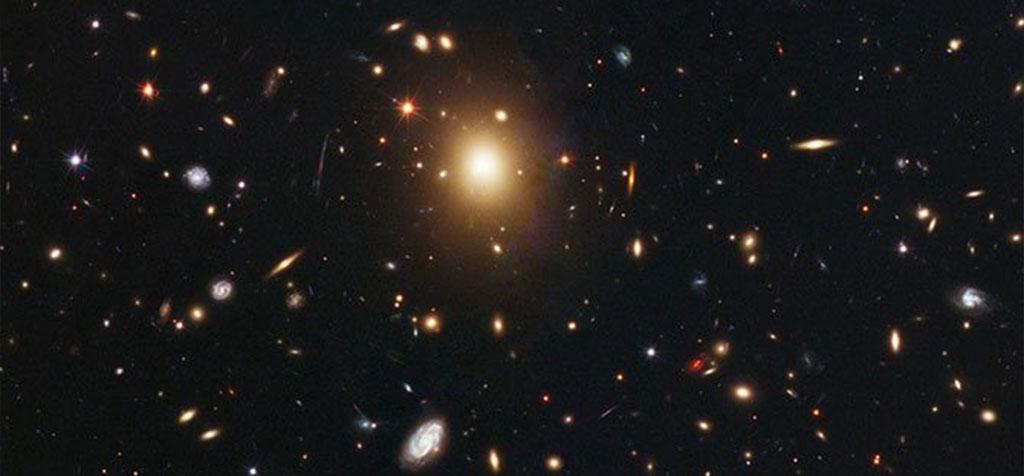 遥远Abell 2261星系中心的超大质量黑洞失踪之谜
