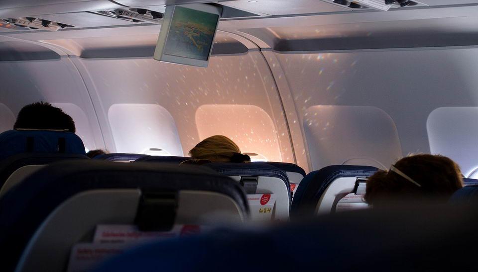 各种泄漏到飞机机舱中的化学物质会对乘客健康造成威胁插图