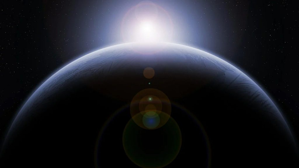 地球在冬天是不是离太阳更远,公转速度更低?