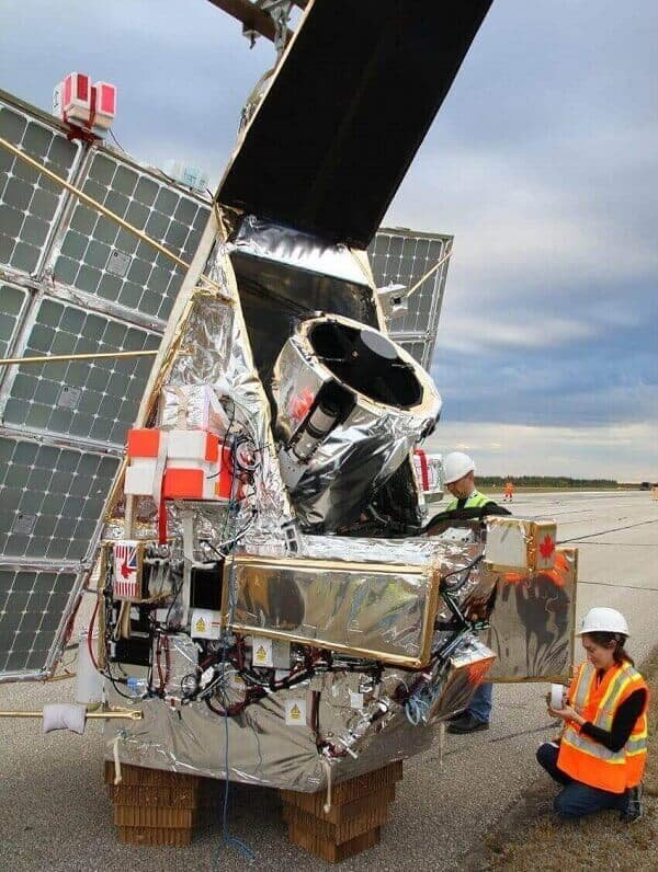 科学家研发氢气球天文望远镜:性能堪比哈勃太空望远镜造价却只有0.1%