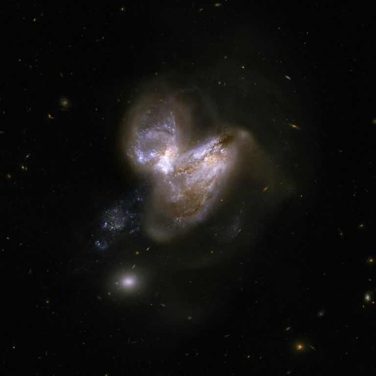 较重的恒星可能并不会发生超新星爆发,而是直接变成黑洞